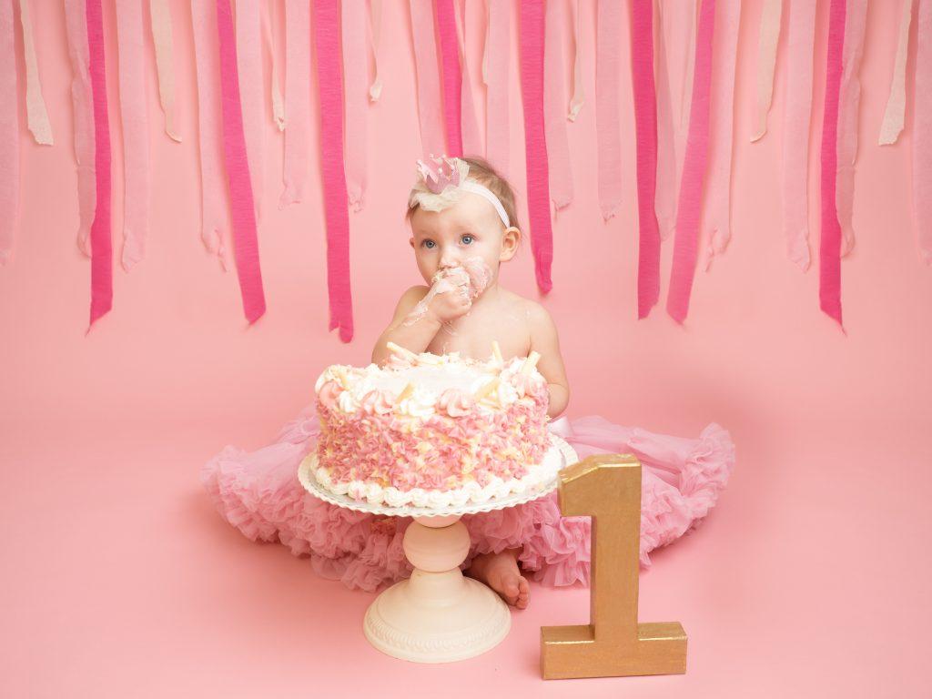 1st Birthday cakesmash photographer Essex Thurrock Basildon grays southend Essex Romford