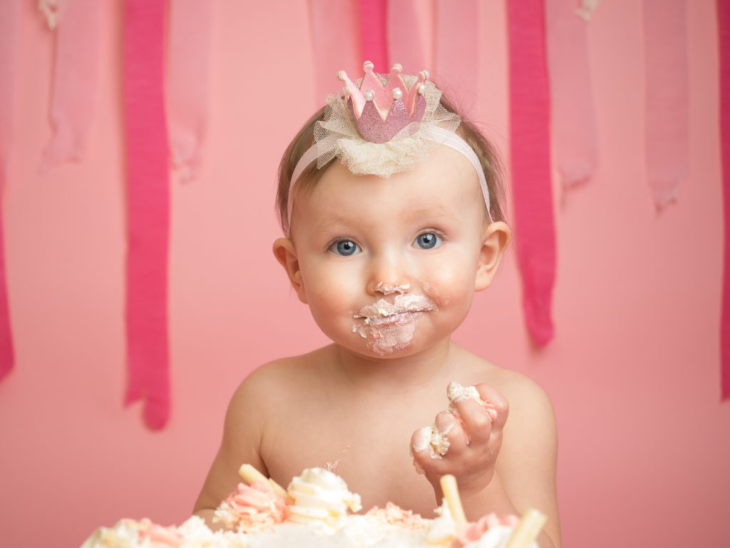 1st Birthday cakesmash photographer Essex Thurrock Basildon grays southend Essex Romford